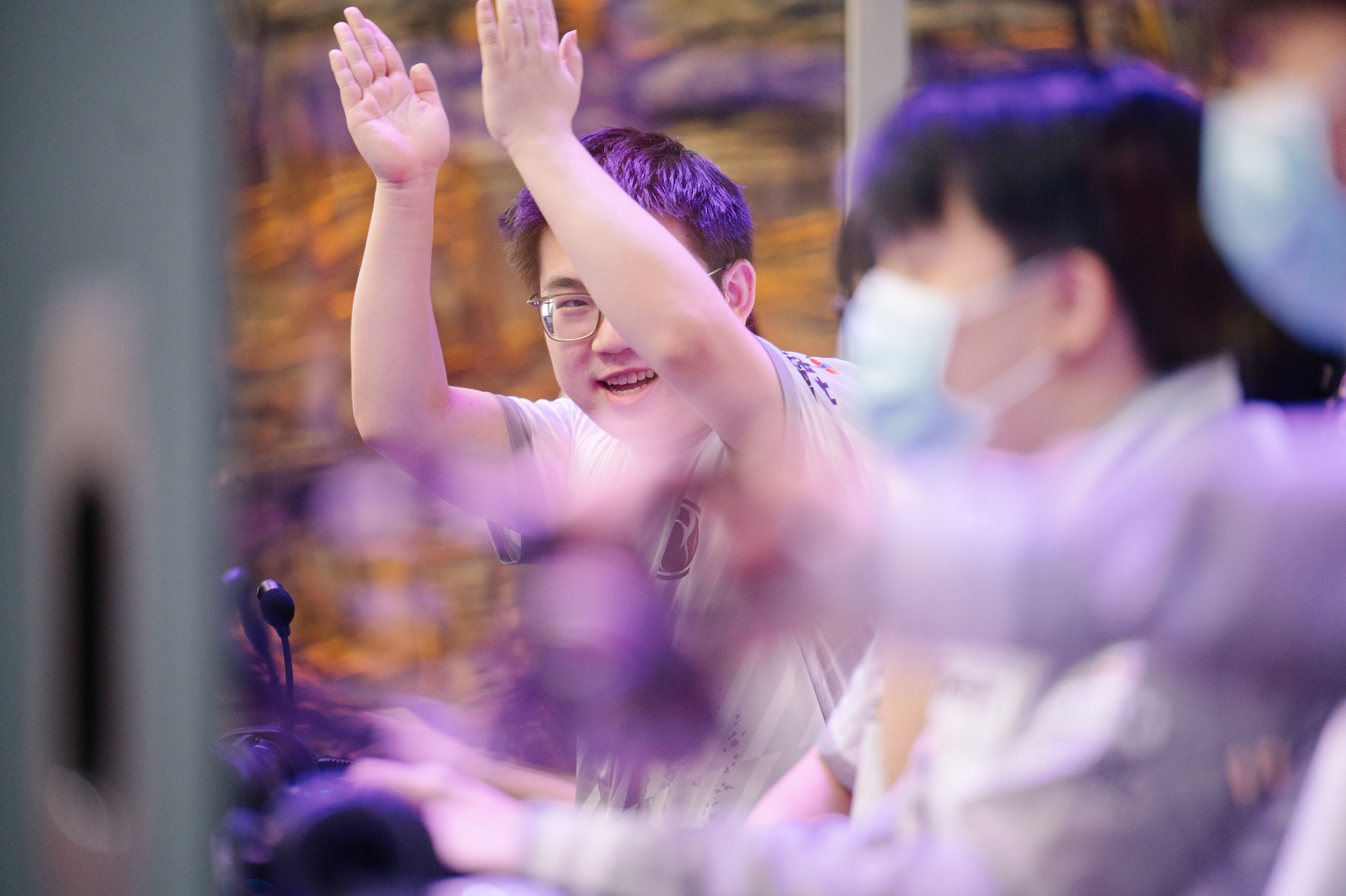 """Featured image for """"Invictus Gaming knock Vici Gaming out of TI10"""""""
